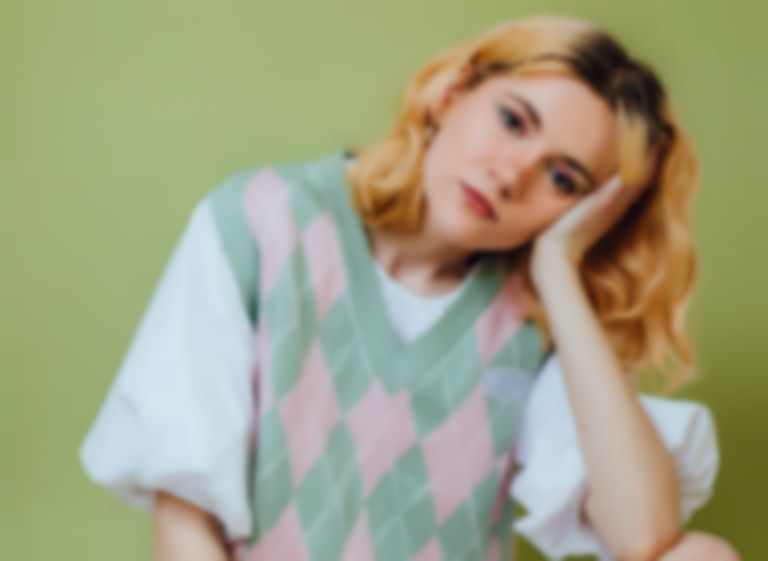 """Fuzzy-pop newcomer Sukie shares playful and poignant new single """"Honey Puff"""""""