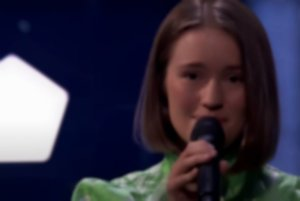 It looks like Sigrid is teasing new music by getting fans to go on a scavenger hunt