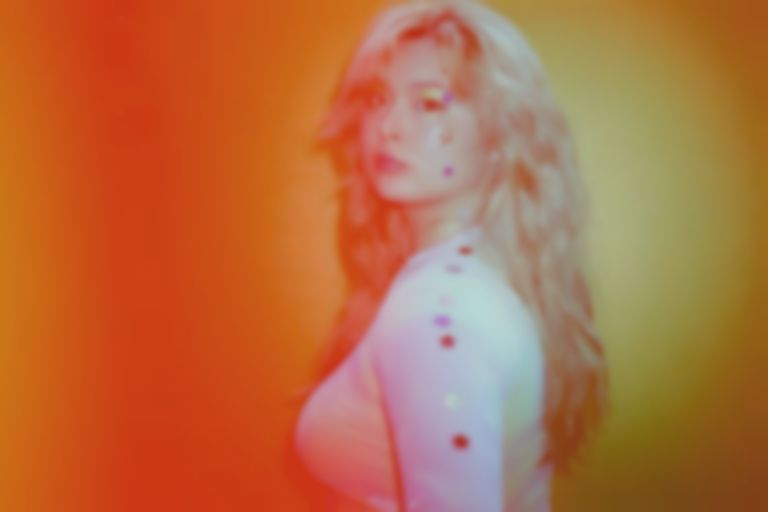 """Siv Disa announces debut album with the hallucinogenic """"Music in the Streets"""""""